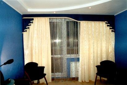 шторы к синим обоям фото
