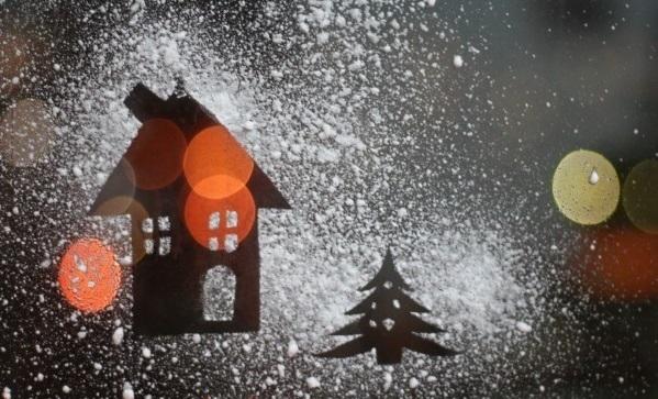 Как сделать снег на окна своими руками