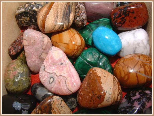 камни по знаком задиака