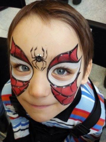 Рисунок паука с паутиной