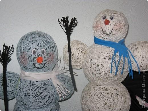 Как сделать снеговика из стаканов своими руками фото 673