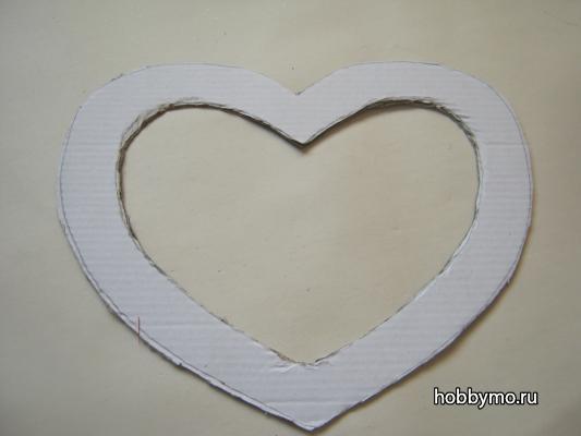 Как сделать сердце на День Святого Валентина в виде венка?