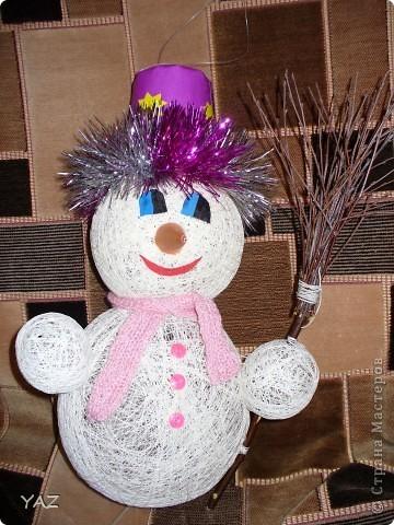 Как сделать снеговика из шариков и ниток - GumerovOleg.ru