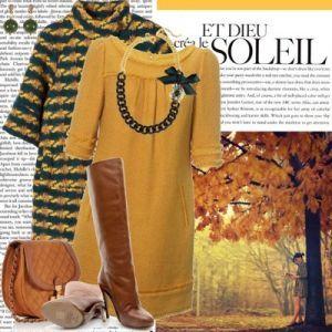 Для создания романтичного образа наденьте под коричневые сапоги шорты и легкую блузку.