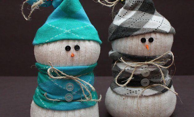 Новогодняя поделка снеговик из носка