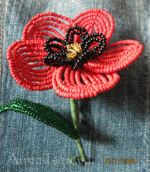 Как сплести из бисера цветок мака, гиацинта, крокуса, подснежника, лилии?