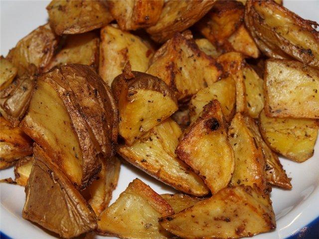 Как запечь картошку по деревенски в духовке