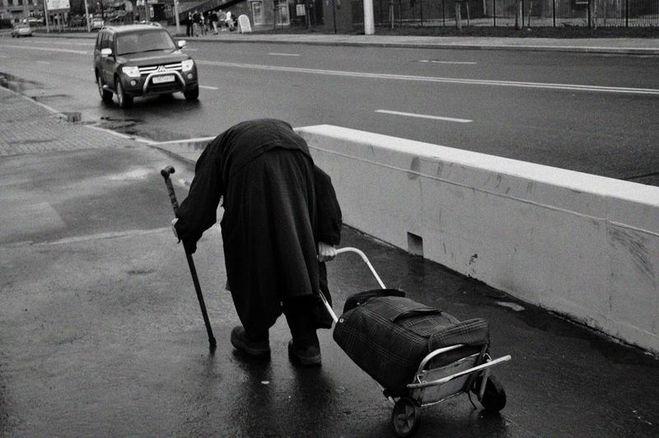 Кто должен ухаживать за пожилыми родителями, родственниками?