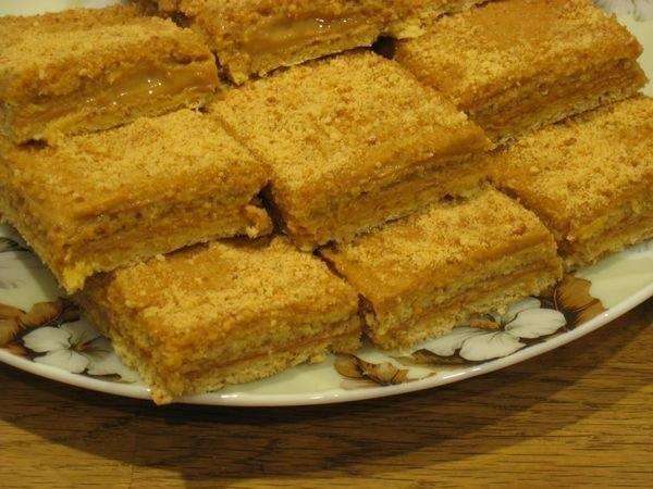 Медово-апельсиновые пирожные со сгущенкой. Как их приготовить и подать?