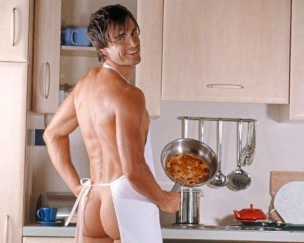 Обнаженный мужик на кухне фото 785-368