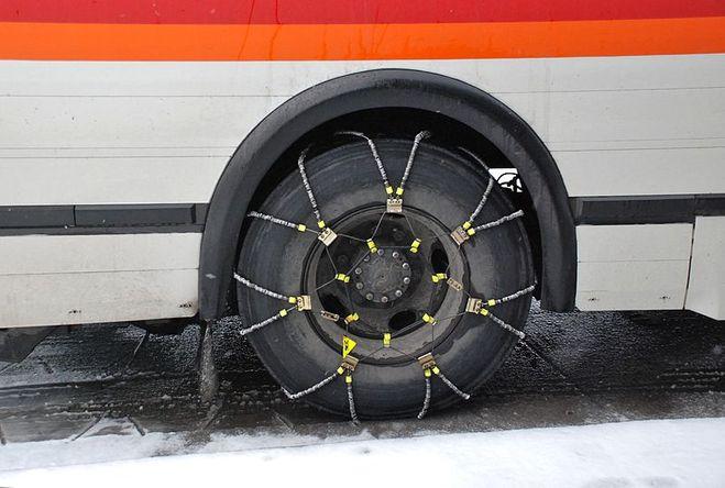 Бывают у грузовых автомобилей шипованные шины?