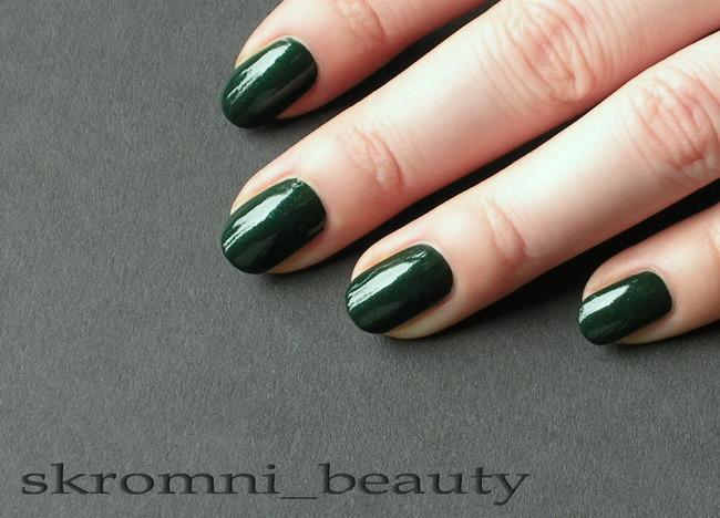 Лак для ногтей зеленый