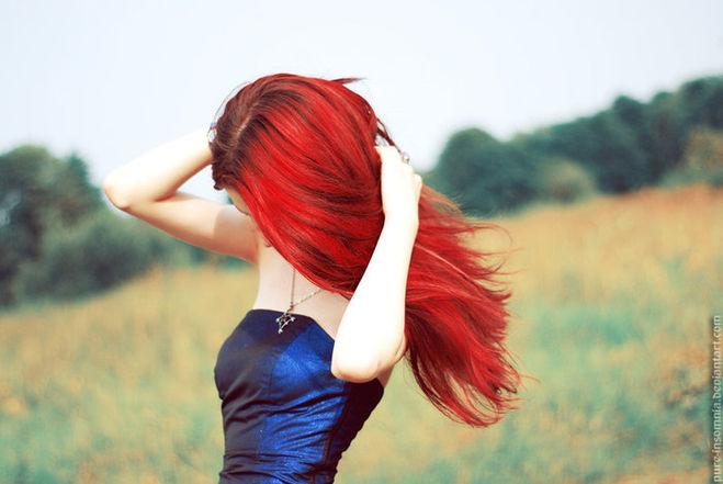 Фото на аву девушка с красными волосами