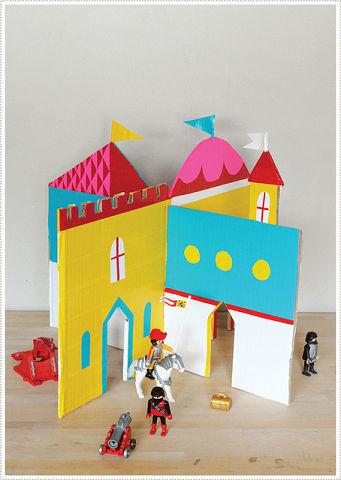 Как сделать дом для кукол из коробок