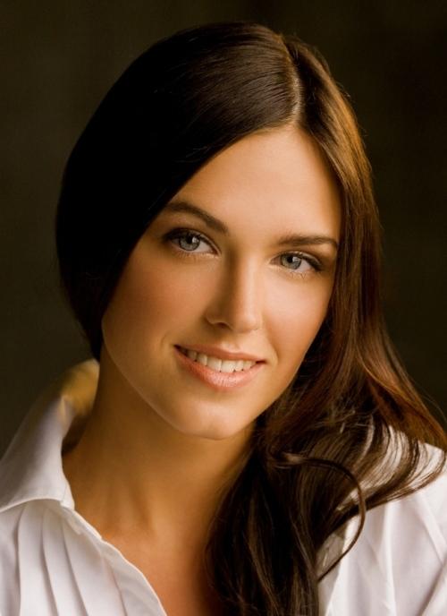 Самая красивая девушка из сериала корабль