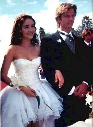 В какой серии дикий ангел мили свадьба