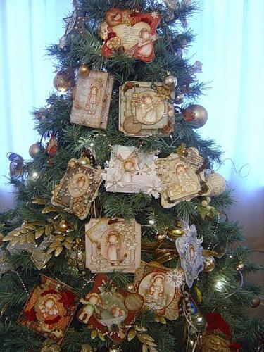 Как украсить елку открытками