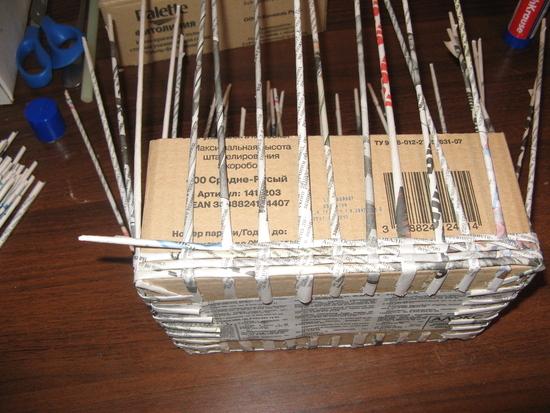 Плетение коробки из газет пошагово