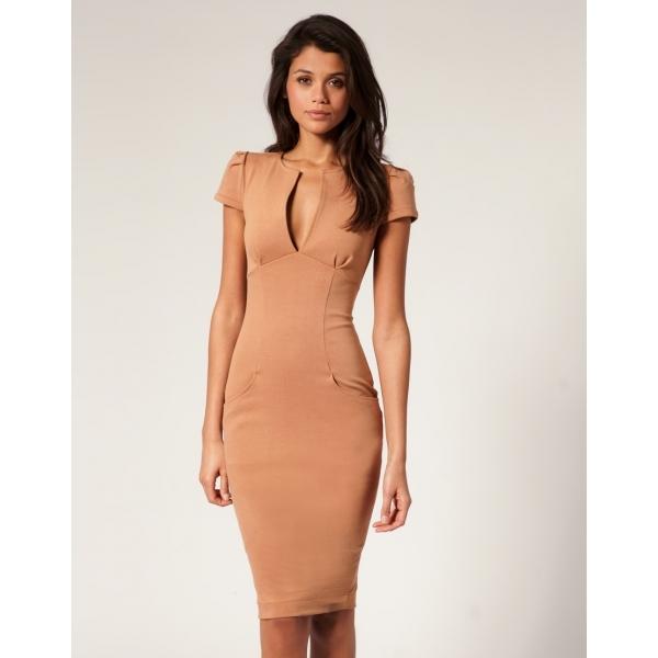 4bbfb45768c С чем носить платье-футляр  С чем сочетать платье-футляр