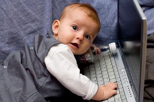 Почему в соцсетях, в интернете нельзя размещать свои ...: http://www.bolshoyvopros.ru/questions/251358-pochemu-v-socsetjah-v-internete-nelzja-razmeschat-svoi-lichnye-fotografii.html