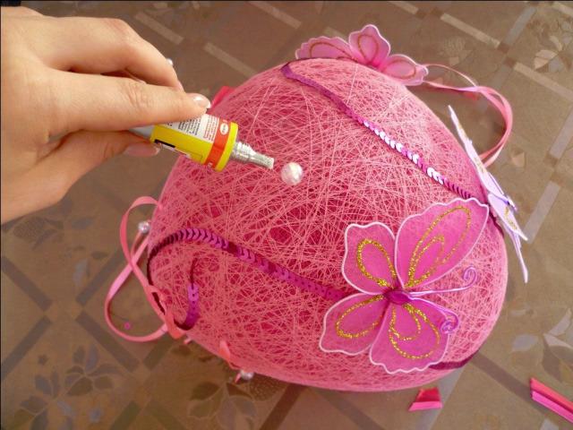 Как сделать шарик из ниток и клея