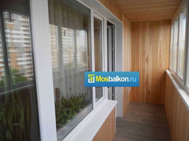 How can i make a nice balcony to get a small room?.