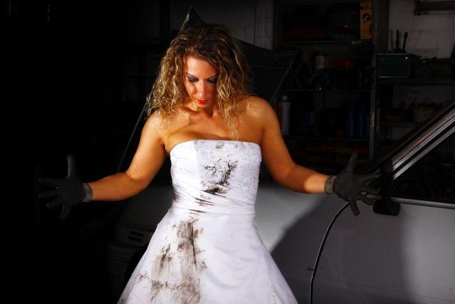 Как в домашних условиях стирать свадебное платье