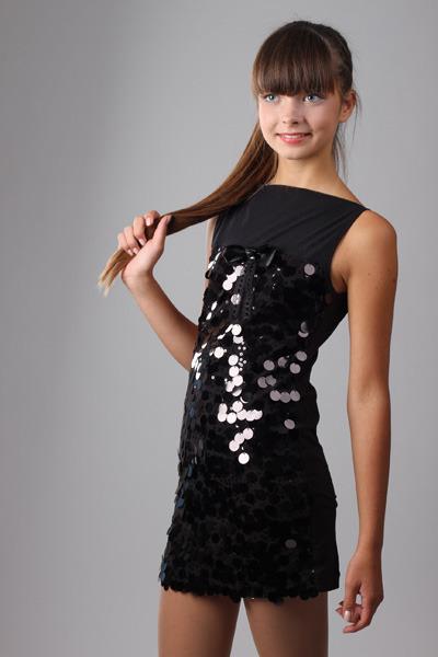 Платье с пайетками для девочки сшить 54