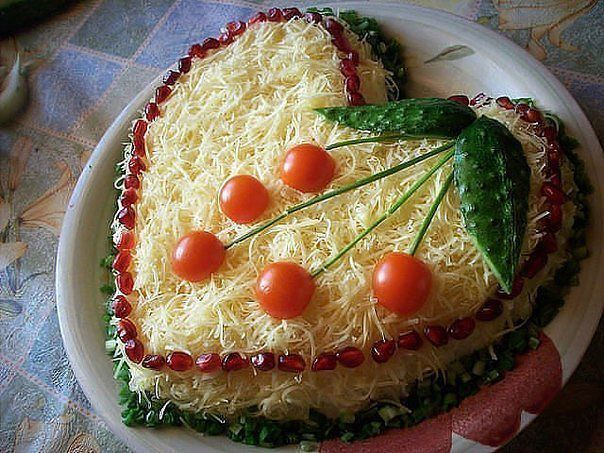 салат из свежих огурцов помидор и огурцов с рецептом